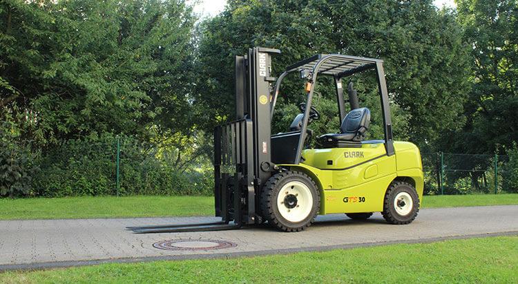 Al Naboodah vehicles - Clark Forklift